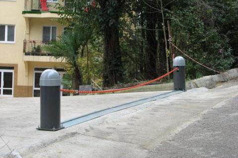 Парковочные цепные барьеры